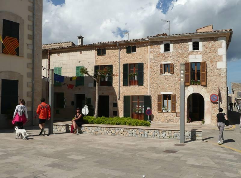 costitx-mallorca-plaza-ayuntamiento